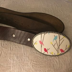 CUSTOM MADE LEATHER BELT WITH GRAPHIC BUCKLE